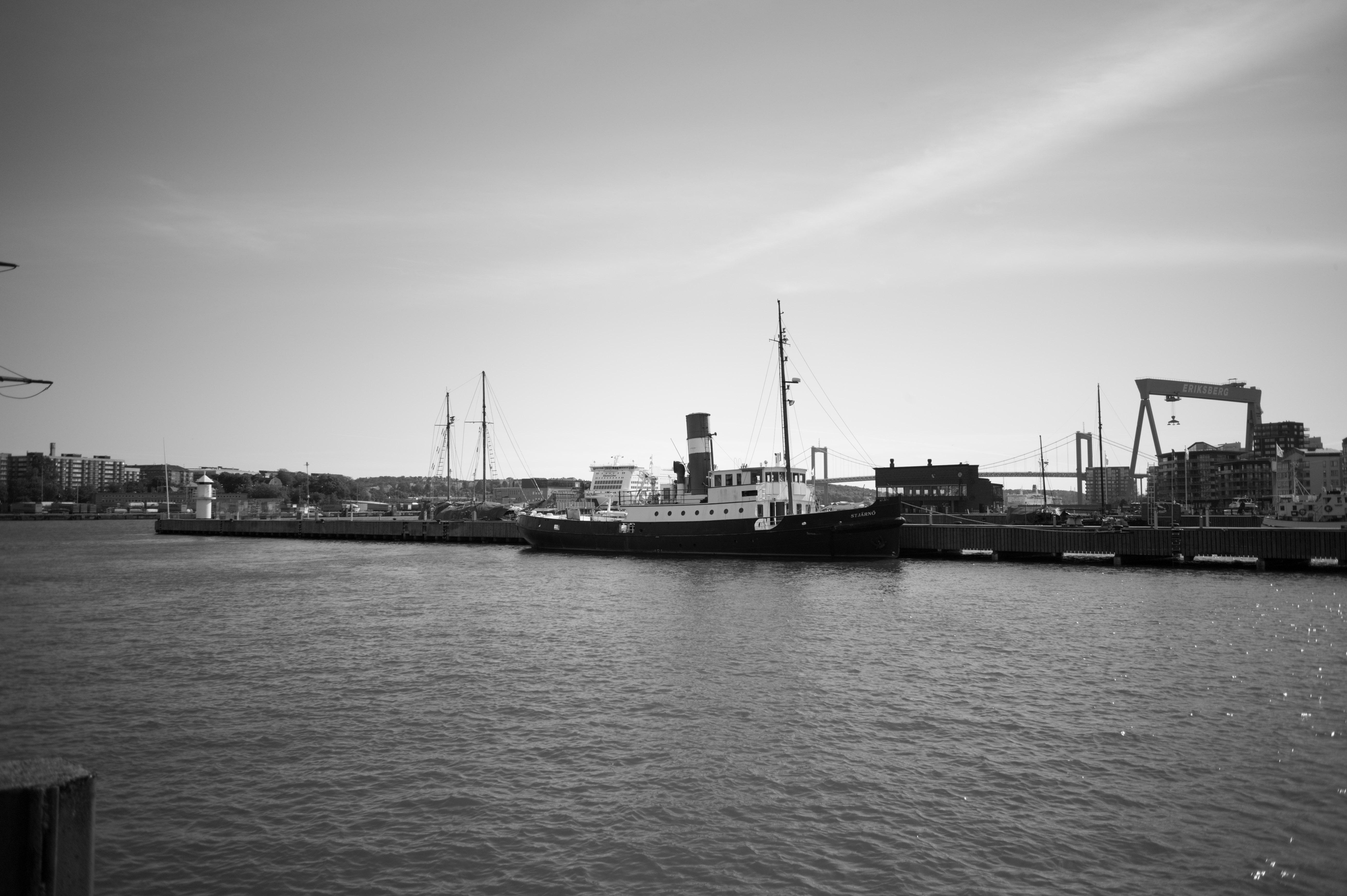 Eriksberg harbor at Eriksberg harbor (Gothenburg, Sweden) with Leica M Monochrom (Leica Summaron-M 28mm f/5.6) by Magnus Andersson (photography.anderssoneklund.se) at 2019-05-31 16:54:20